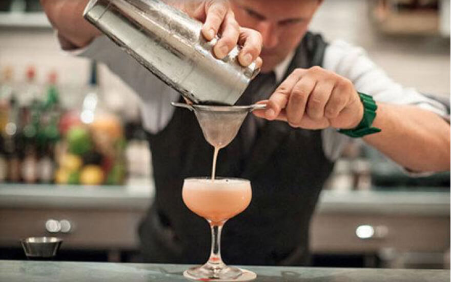8 Top New York Cocktail Making Classes Hijinks
